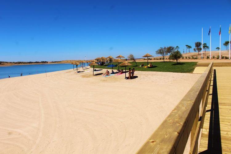 praia fluvial de mourão